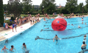 Water-Walking-Ball_11