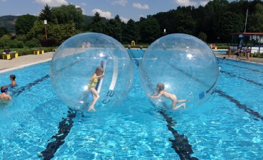 Water-Walking-Ball_16