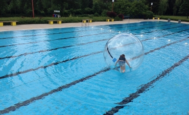 Water-Walking-Ball_3