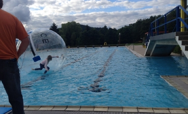 Water-Walking-Ball_8